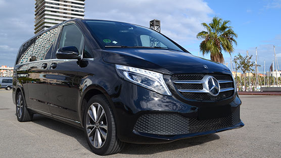 rent a Mercedes V Class with driver in barcelona