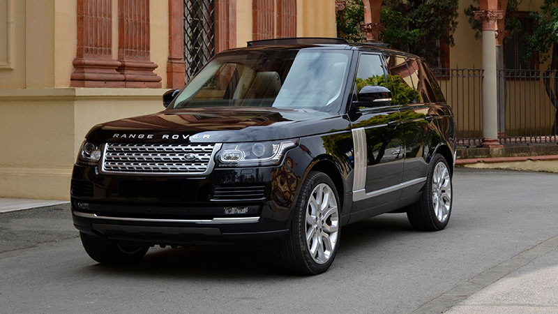 Alquilar un Range Rover Vogue with driver in barcelona